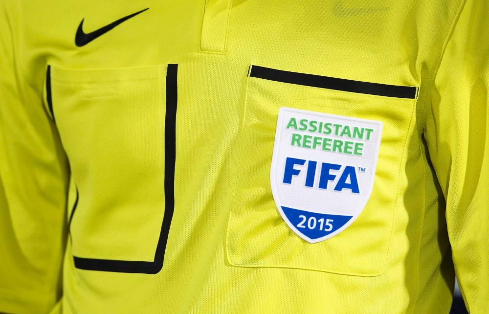 illustration-arbitre-assistant-referee-fifa-2015-17-01-2015-metz---montpellier-21eme-journee-de-ligue-1-20150118181654-9321